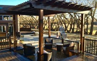 Stained cedar pergola - Trex Transcends composite decking