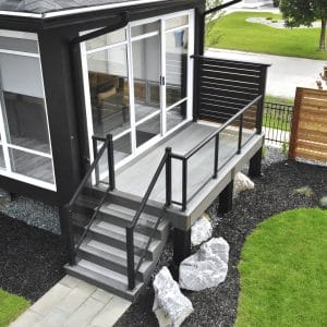 Wolf PVC deck with metal privacy screen